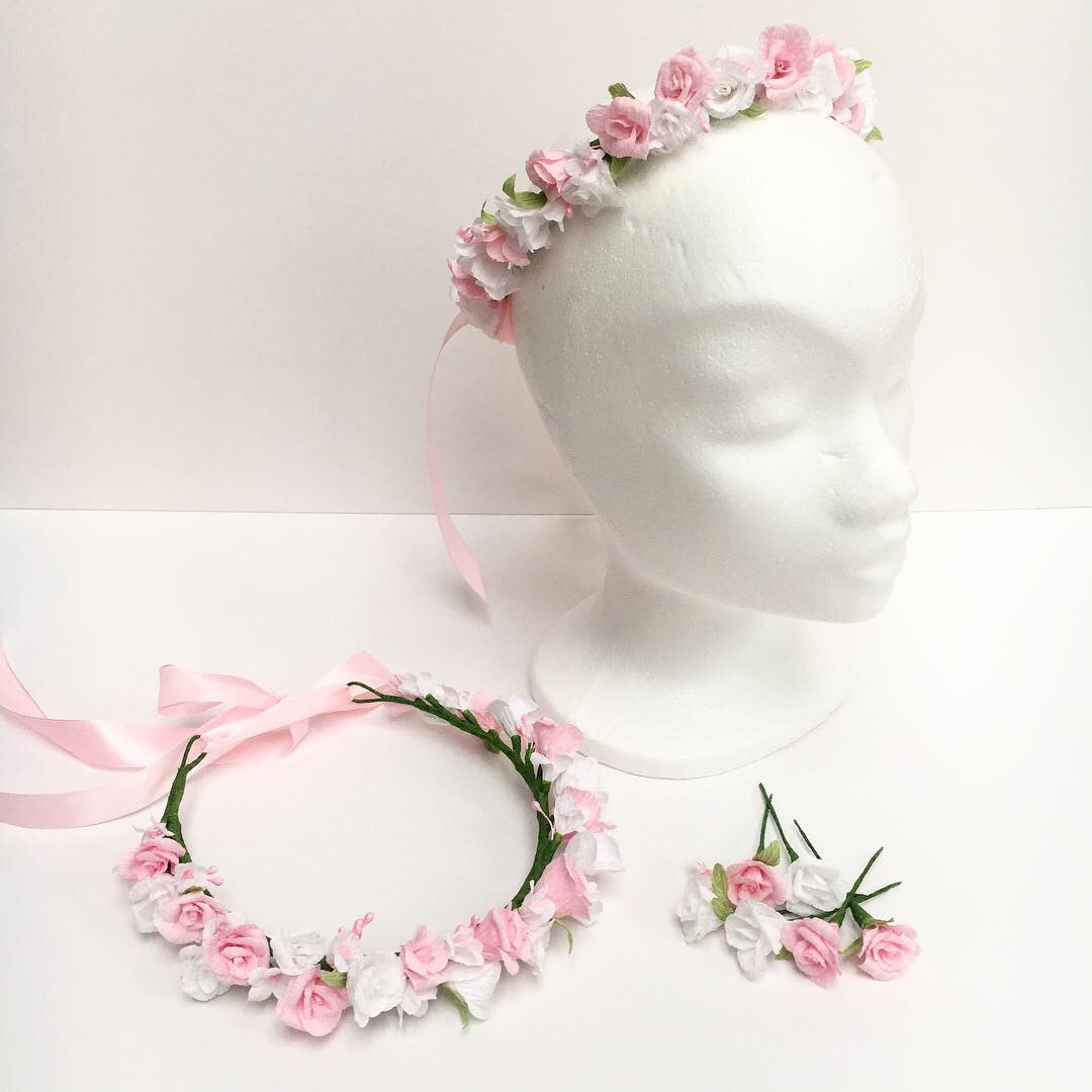 rose flower crown and loose hair flowers