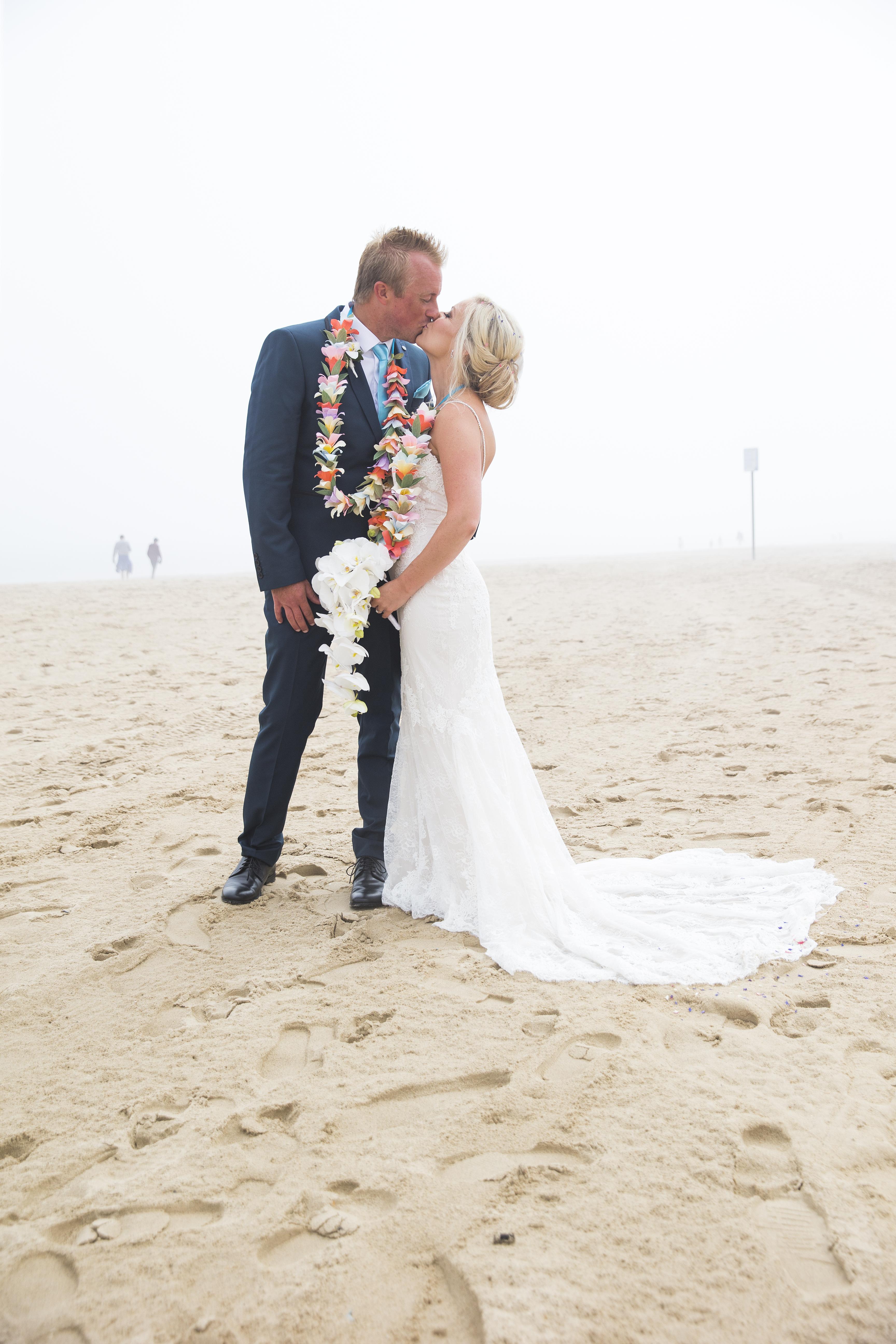 wedding flowers, paper flowers, real wedding, flower garlands, paper flower garlands, paper flower lei