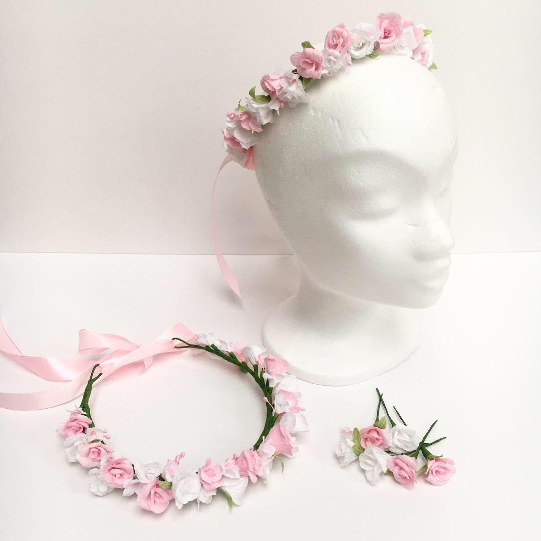 rose flower crown and loose hair flowers